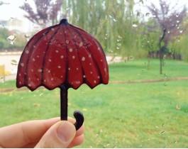 Puantiyeli Şemsiye Broş